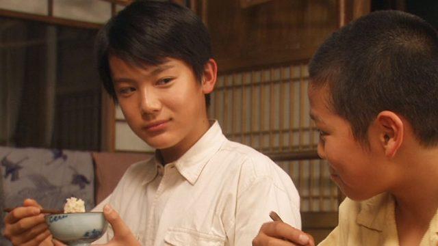 中川大志さんの子役時代の流し目画像